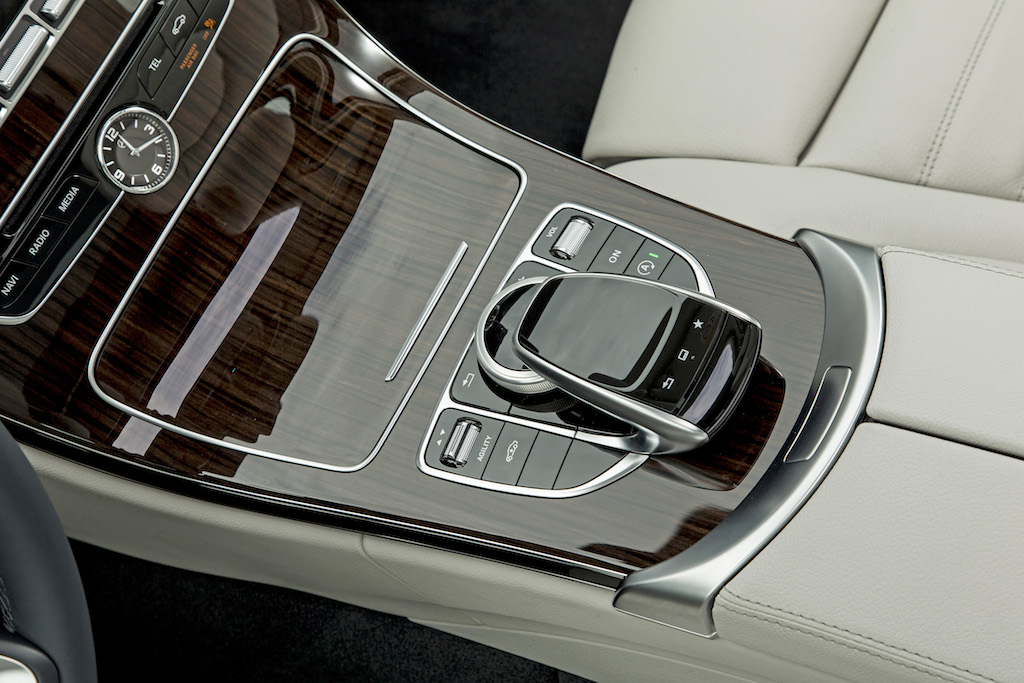 Mercedes-Benz  C_250BT_Cavansitblau