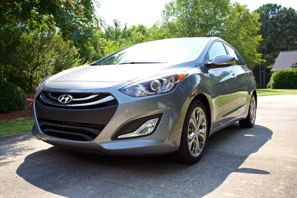 test drive review 2014 hyundai elantra gt the connection between man and machine. Black Bedroom Furniture Sets. Home Design Ideas