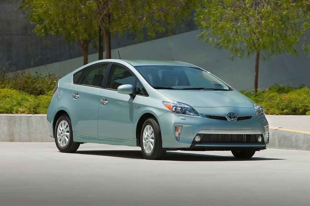 prius leaving a wave of hybrids essay