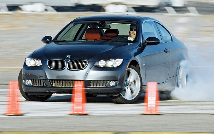 112_0706_06z2007_bmw_335i_coupeskid.jpg