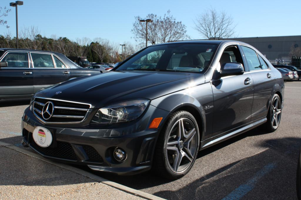Test drive review 2009 mercedes benz c63 amg rawautos for Mercedes benz c63 amg 2009